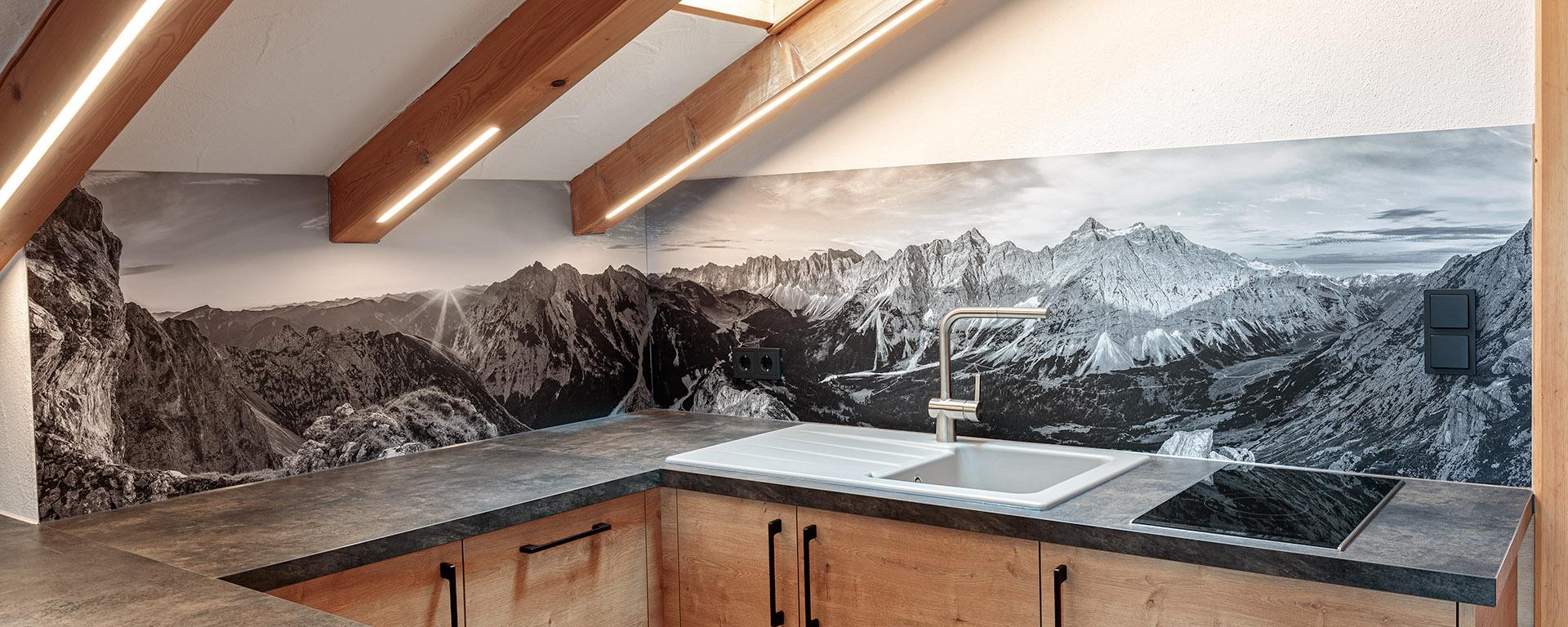 Küchenrückwand mit Bergpanorama schwarz weiß - Spritzschutz Küche