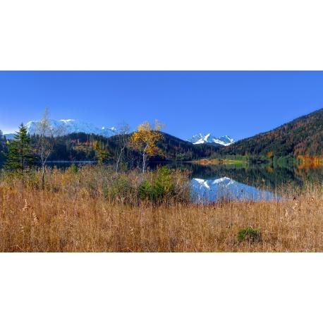 Barmsee 16:9 See mit Zugspitze im Herbst