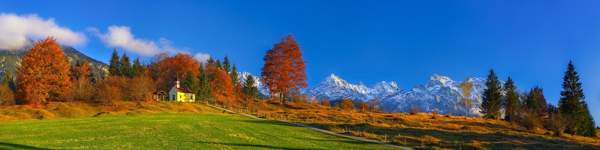 Herbst auf den Buckelwiesen - Kapelle Maria - Rast bei Krün