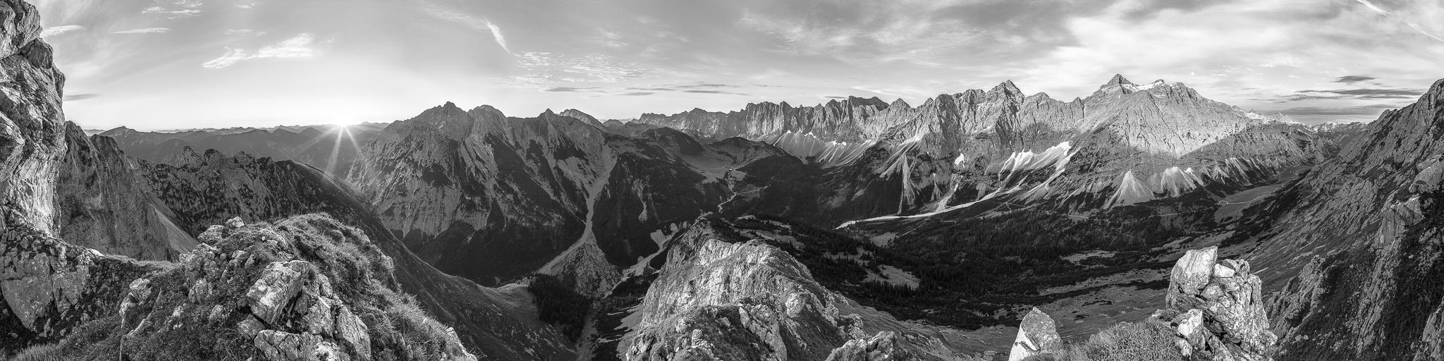 Karwendel Panorama schwarz-weiss