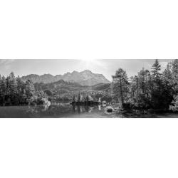 Eibsee Zugspitze - Pano schwarz weiß